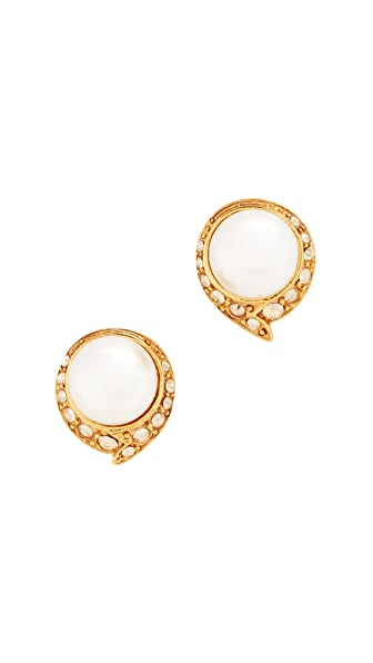 Oscar de la Renta Fanned Imitation Pearl Button P Earrings - Cry Gold Shadow