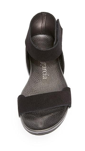 Pedro Garcia Joline Flat Sandals