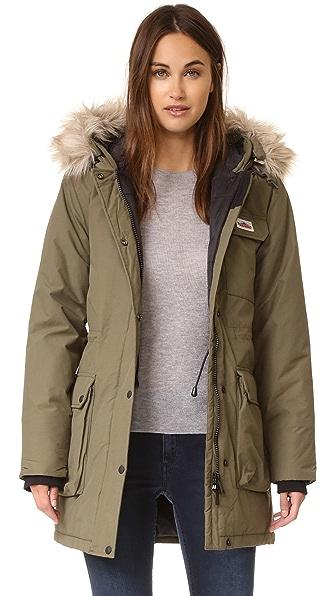 winter-coat-guide-parka-faux-fur-trim-penfield