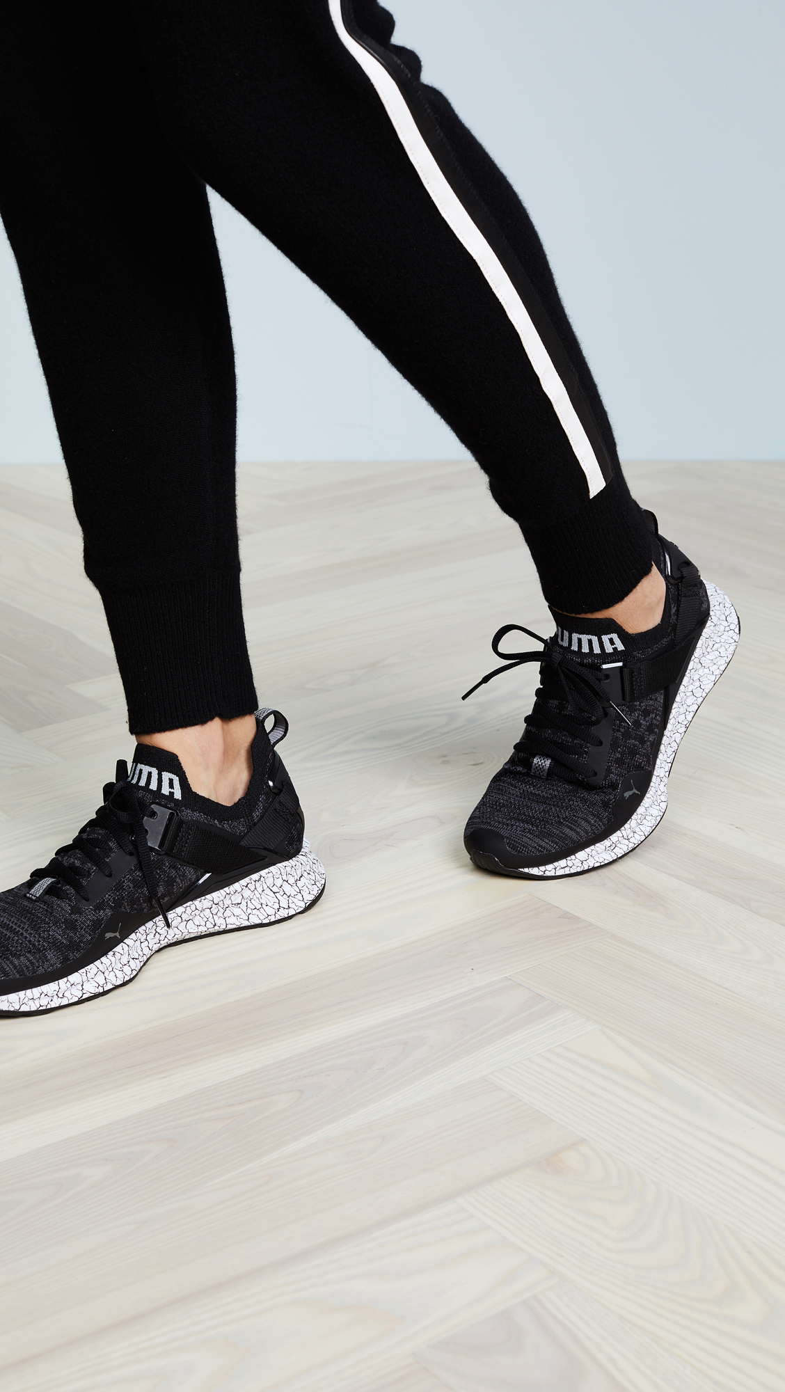 PUMA Ignite evoKNIT Lo Hypernature Sneakers  28cf643cb