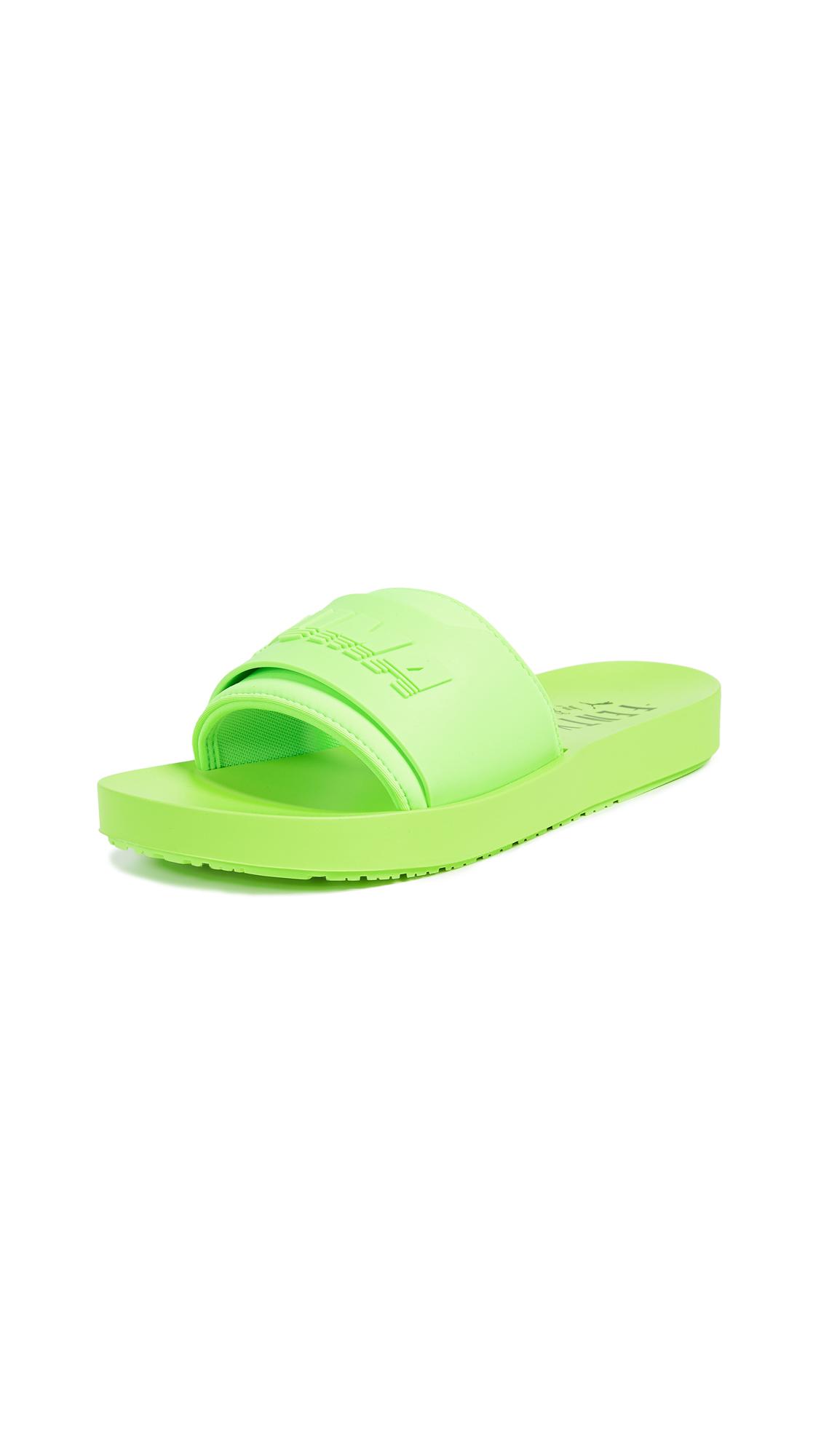 Women'S Fenty X Rihanna Surf Slide Sandals, Green in Green Gecko/Green Gecko