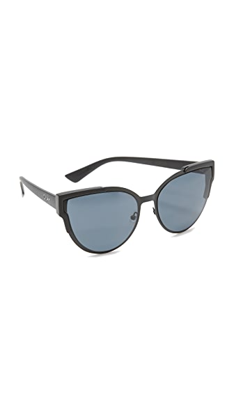 Quay Game On Sunglasses - Black/Smoke