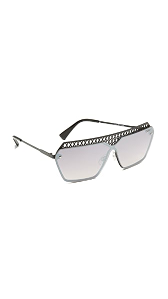 Quay Hall of Fame Sunglasses - Black/Mirror