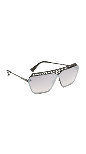 Quay Hall of Fame Sunglasses