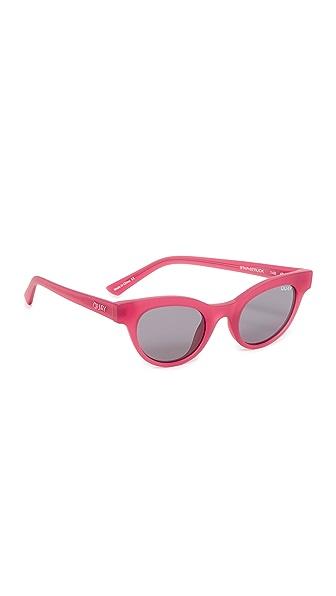 Quay #QUAYXKYLIE The Starstruck Sunglasses In Red/Smoke