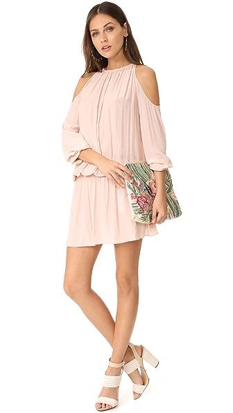 Clothing and Dresses  พฤษภาคม 2017 64417c22ba2
