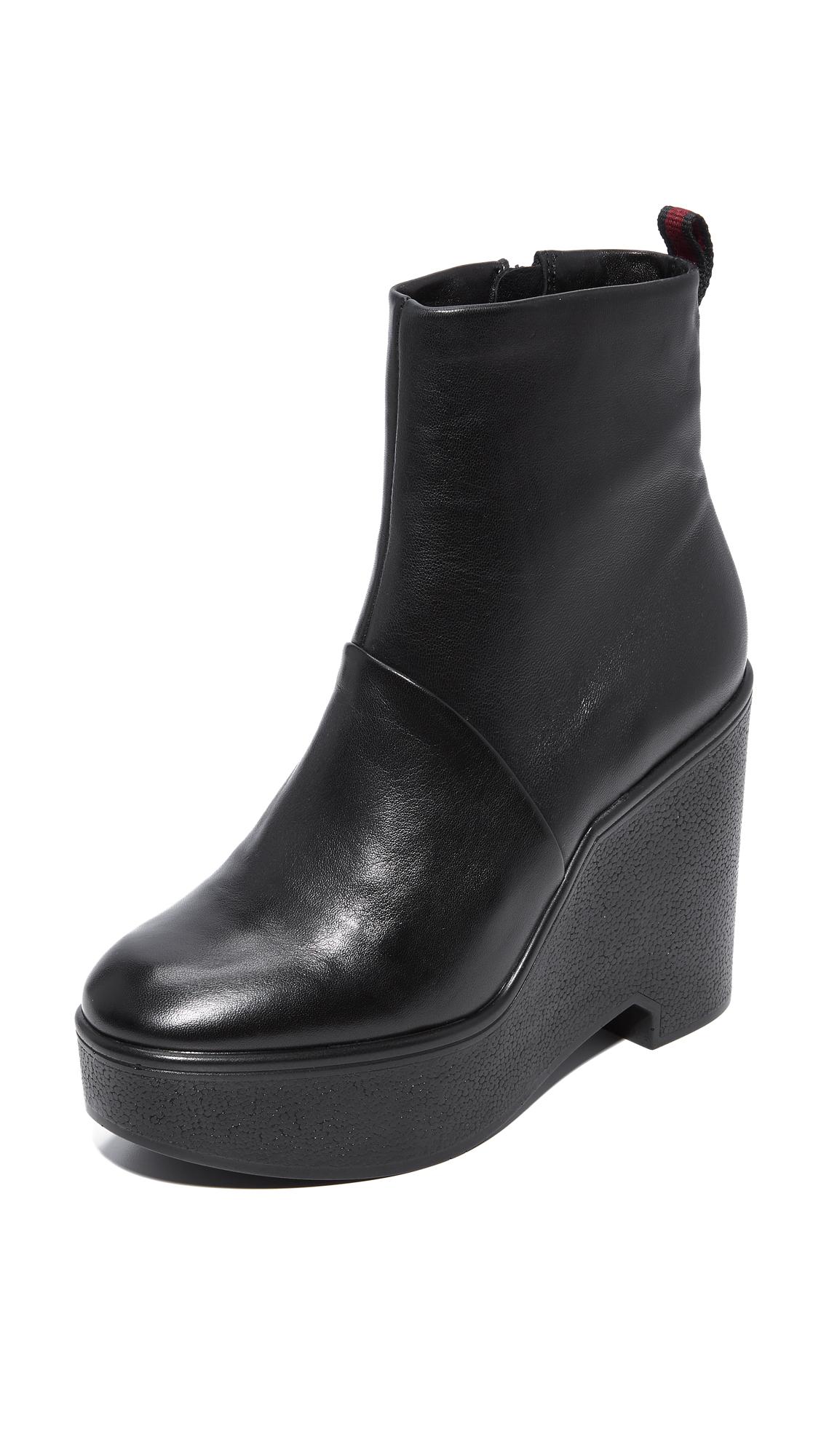 Robert Clergerie Bisouto Block Heel Booties - Black