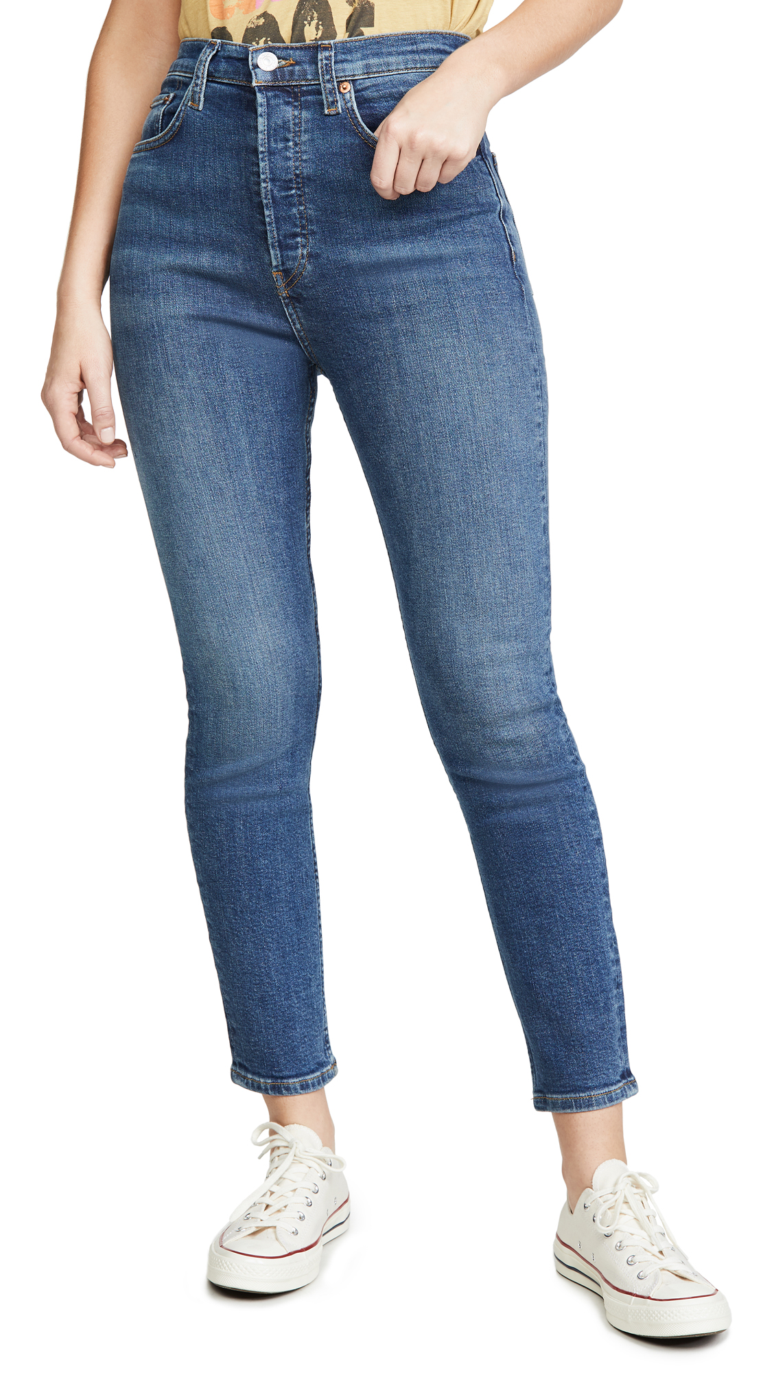 Buy RE/DONE online - photo of RE/DONE Ultra High Rise Crop Jeans