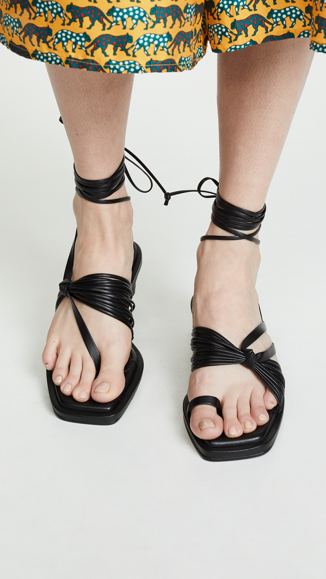 ed7c26e8dbeb Reike Nen Unbalanced String Flip Flops