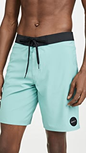 RVCA Va Trunk Solid 19