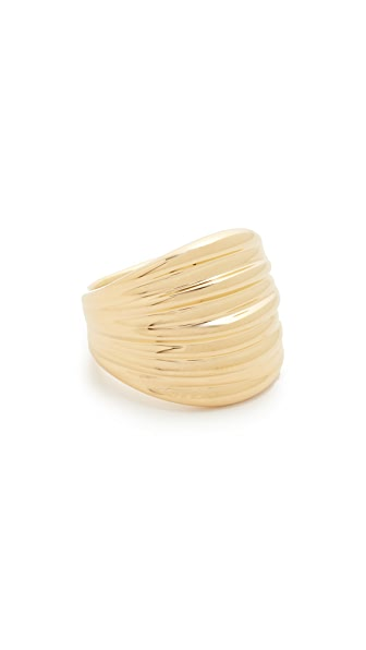 Soave Oro Ribbed Graduated Ring