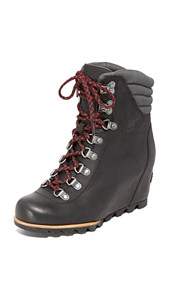 Sorel Conquest Wedge Booties - Black