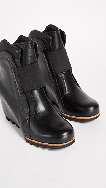 Sorel Fiona Wedge Lux Booties