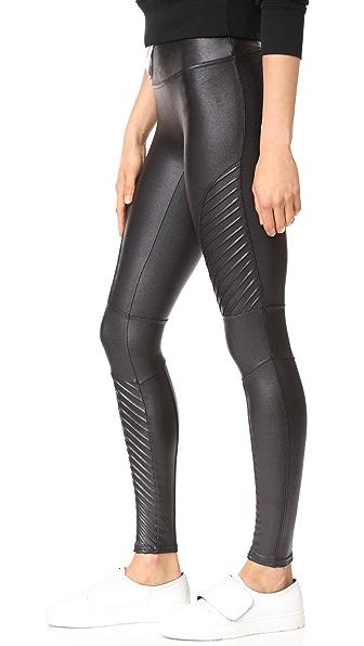 SPANX Faux Leather Moto Leggings in 超黑色