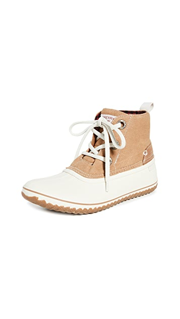 Sperry Schooner 3-Eye Lace Up Canvas Boots