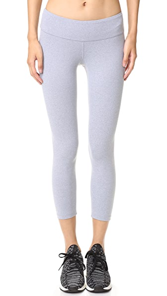 Essential Nova Performance Capri Leggings