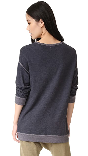 SUNDRY Kiss Me Sweatshirt