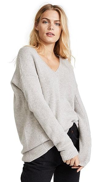 TSE Cashmere Cocoon V Neck Sweater In Stone Melange