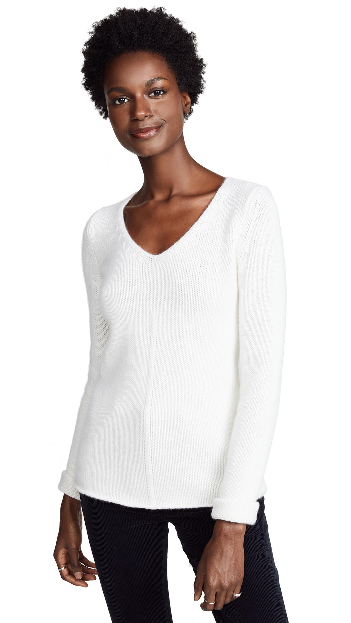 TSE CASHMERE V Neck Cashmere Sweater in Crème
