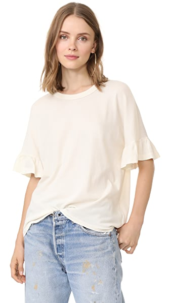 THE GREAT. The Ruffle Sleeve Tee In Washed White