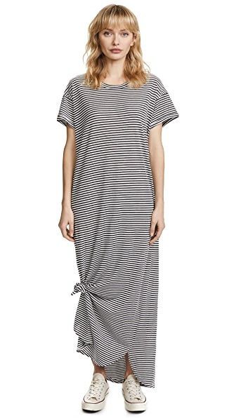 THE GREAT. The Knotted Tee Dress In Smoke Stripe