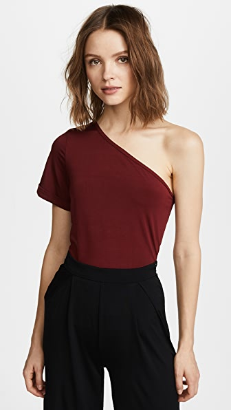 Bare Shoulder Night Tee