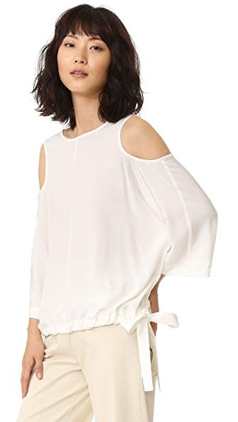 Tibi Шелковая блузка с вырезами на рукавах