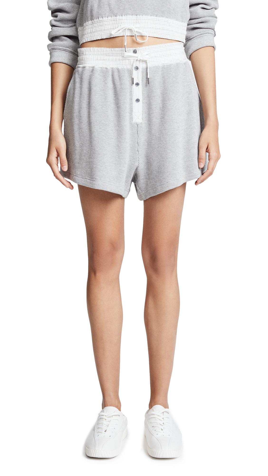 Striped Poplin-Trimmed Waffle-Knit Cotton Shorts in Heather Grey