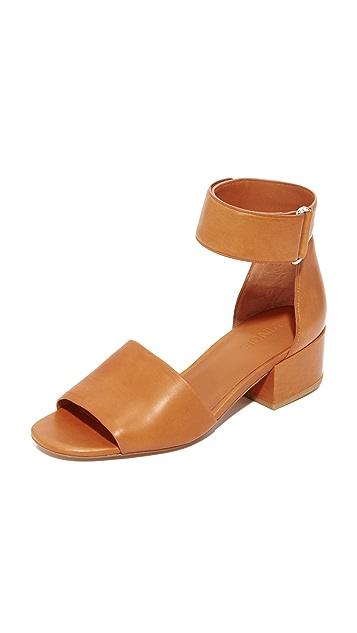 Vince Rosalia City Sandals