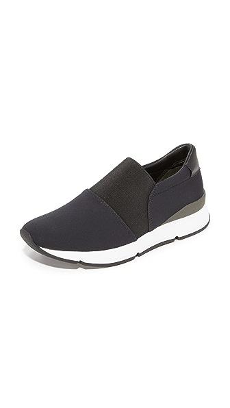 Vince Truscott Jogger Sneakers In Black