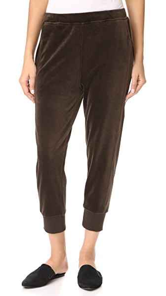 Vince Velour Cuffed Joggers In Balsamic