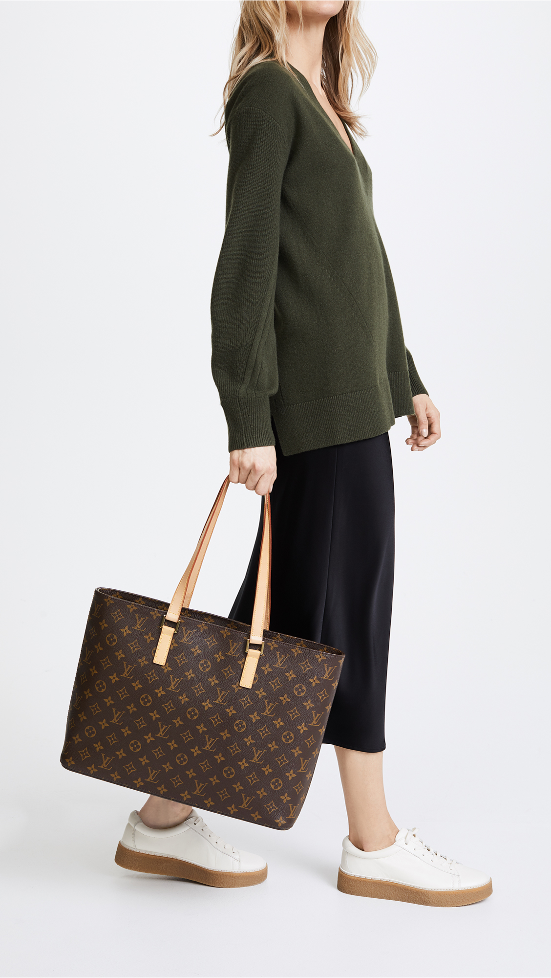 e00e34b690a0 What Goes Around Comes Around Louis Vuitton Monogram Luco Tote (Previously  Owned)