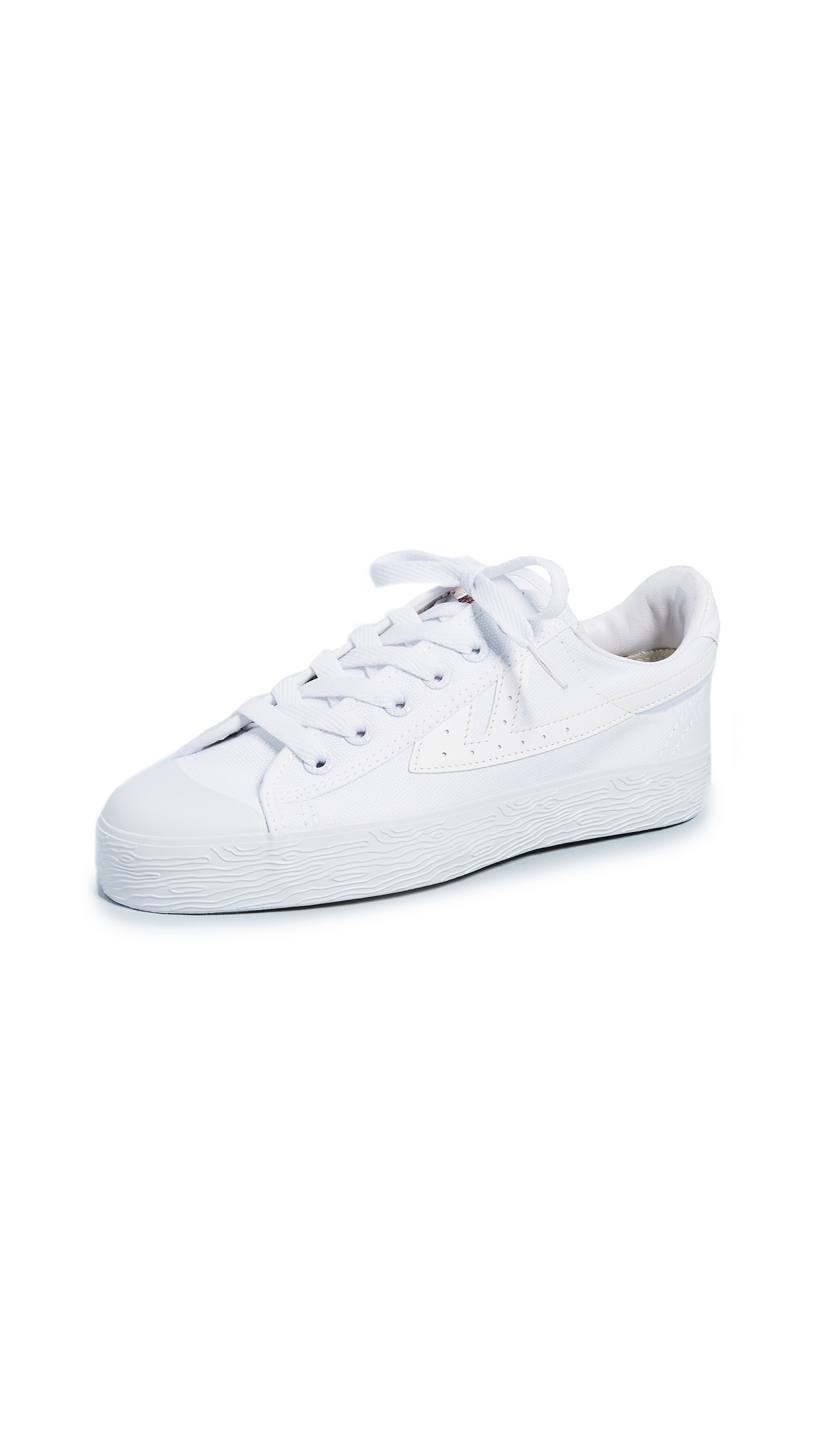 WOS33 Classic Sneakers In White/White