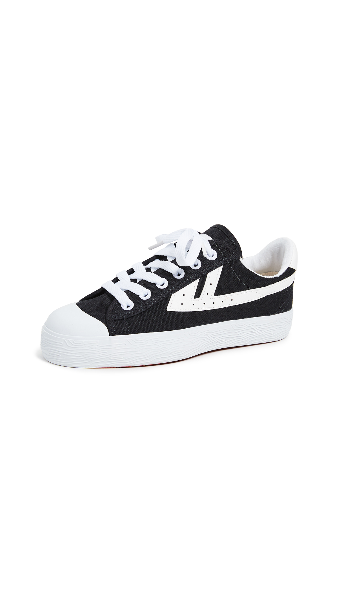 WOS33 Classic Sneakers - Black/White