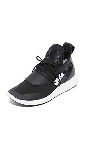 Y-3 Y-3 Elle Run Boost Sneakers - Black/White