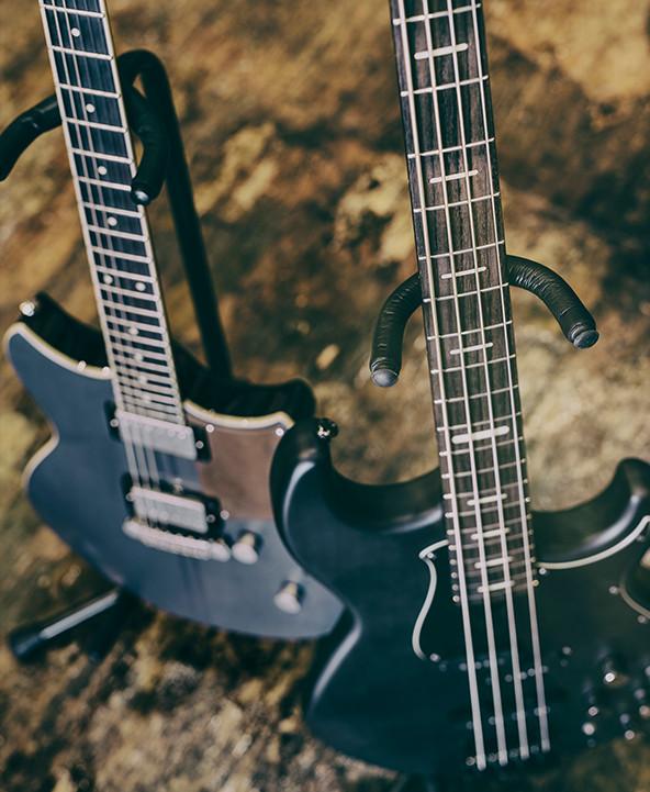 shop bass guitars