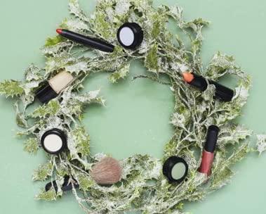 Beauty gift hub