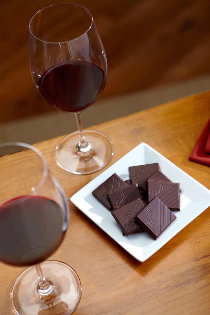 Best Wine With Dark Chocolate Amazon lindt excellence bar 99 cocoa dark noir chocolate lindt melted chocolates sisterspd