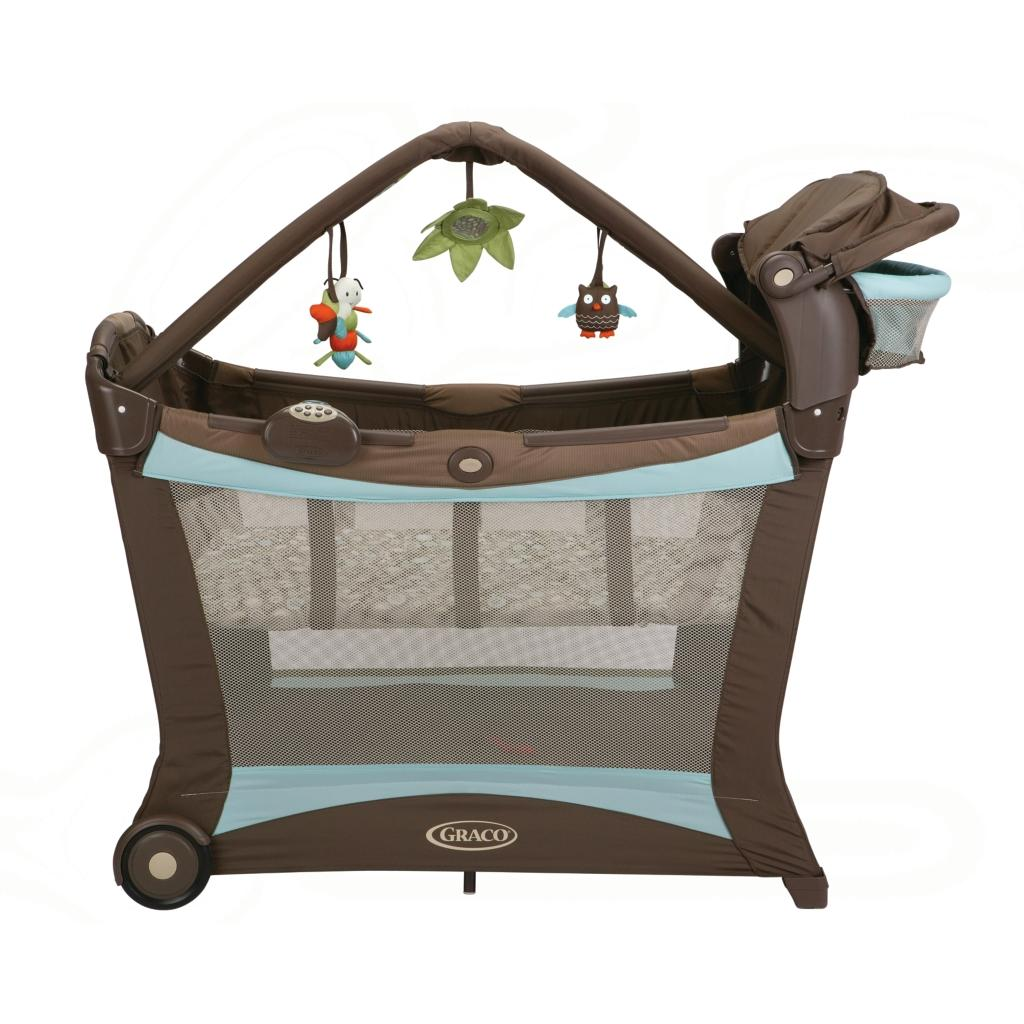 amazoncom graco pack 'n play modern playard with play mat shout  - view larger