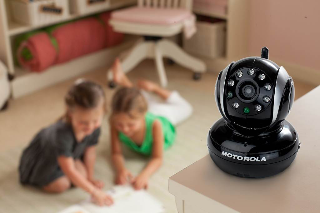 motorola blink1 wi fi video camera for remote viewing with iphone and android. Black Bedroom Furniture Sets. Home Design Ideas
