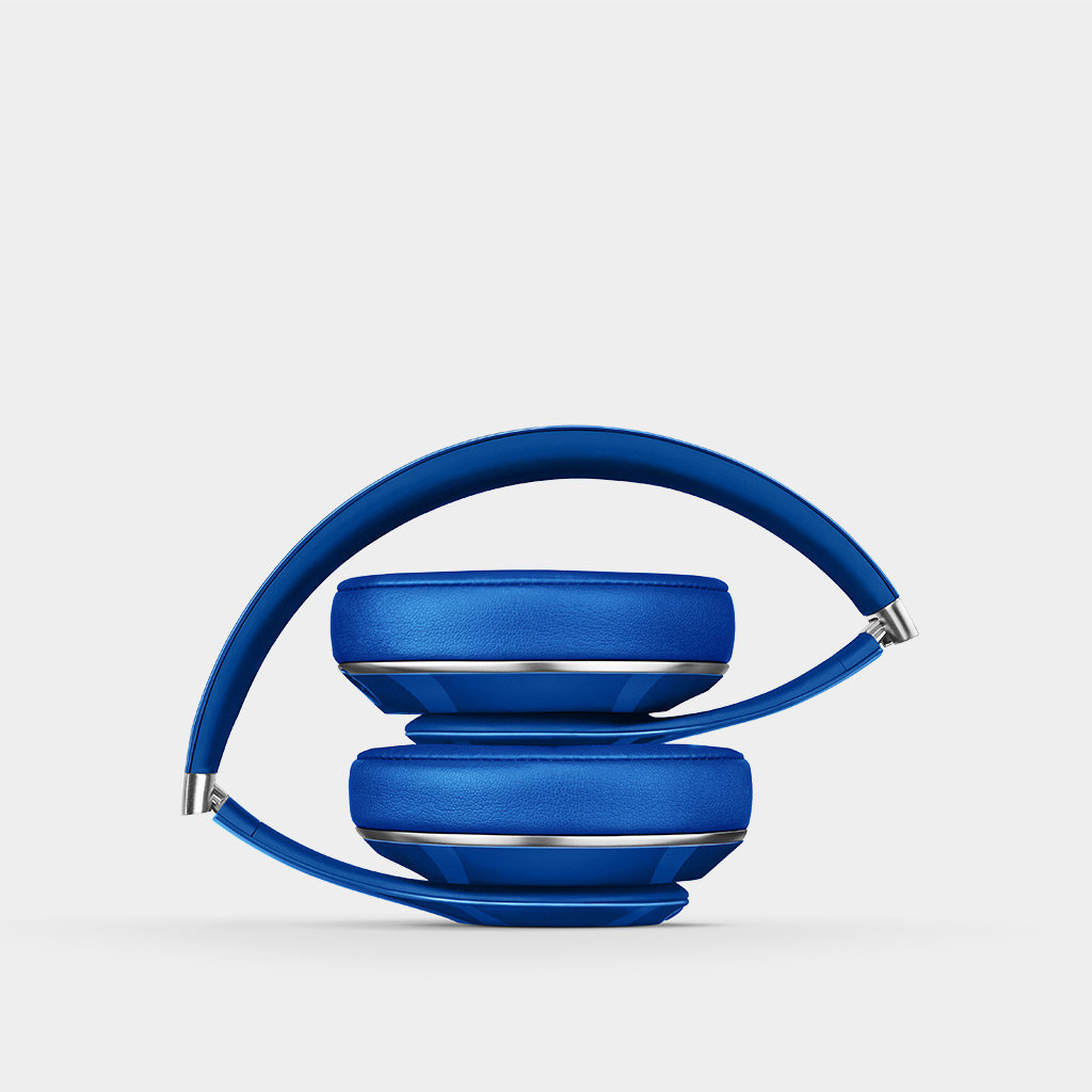 beats studio wired 2 0 over ear headphone blue home audio theater. Black Bedroom Furniture Sets. Home Design Ideas