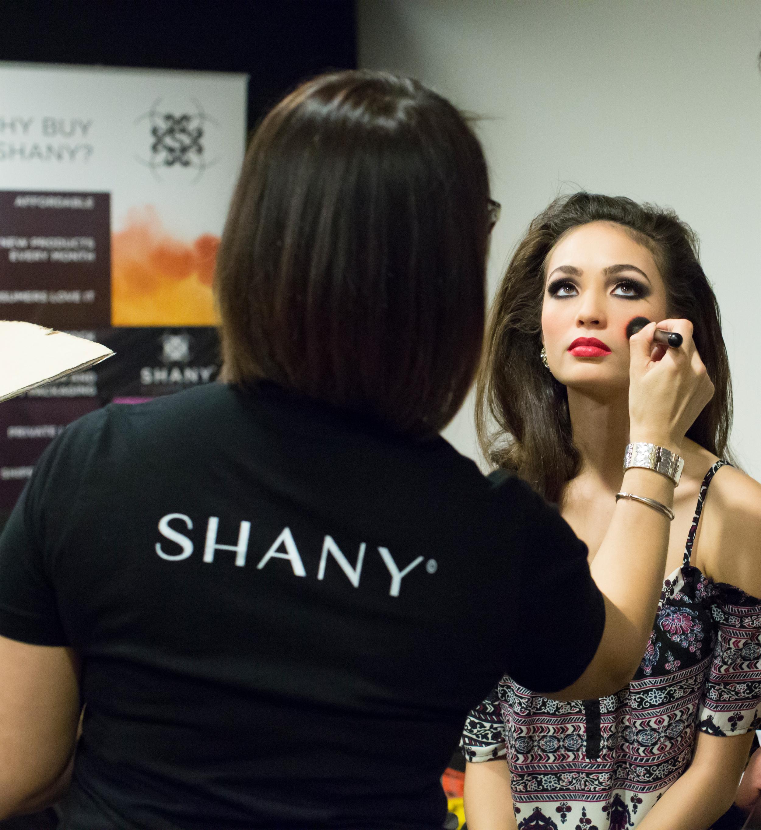 Amazon.com: SHANY The Mini Masterpiece 6 Layers Foundation, Concealer
