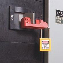 Masterlock 493b Grip Tight Circuit Breaker Lockout