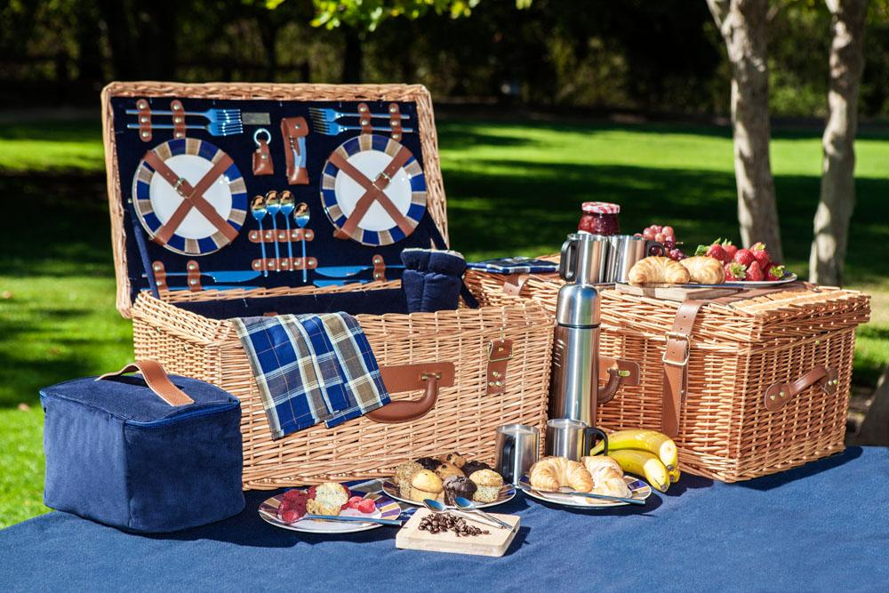 Amazon.com: Picnic Time Windsor English-Style Willow ...