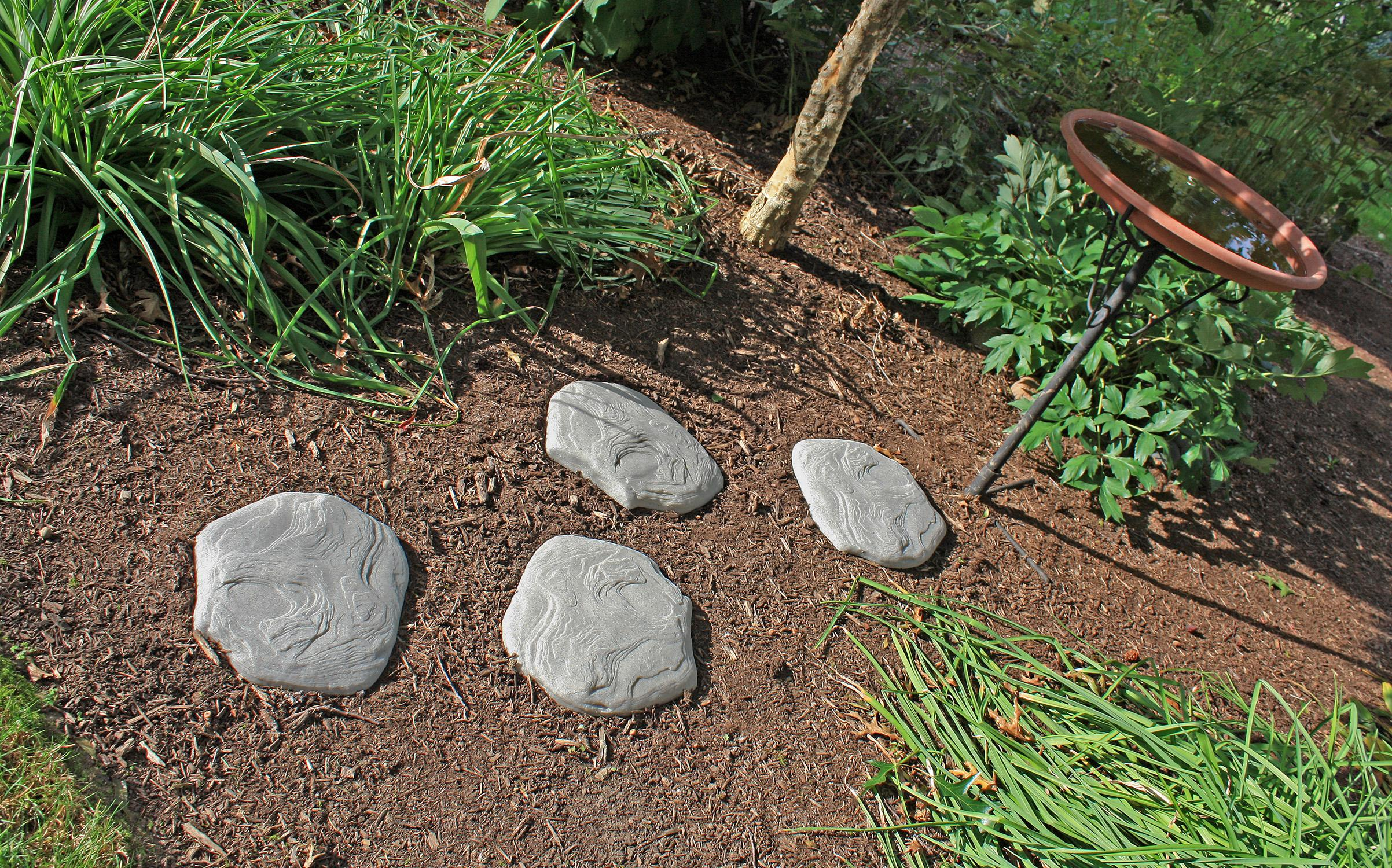 Good ideas luna ss4 lig luna stepping stone for Solar powered glow stepping stones