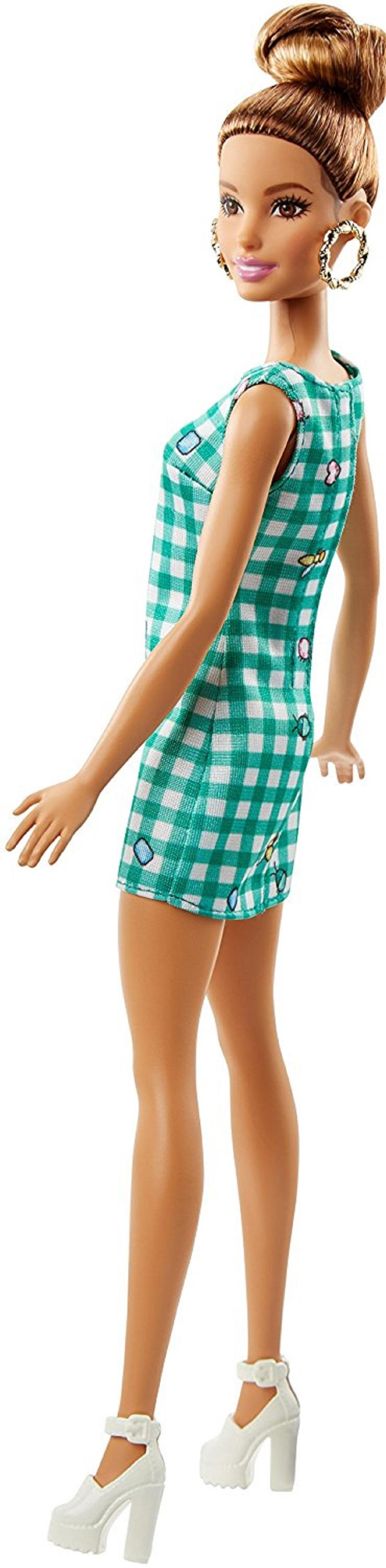 Amazon Com Barbie Fashionistas 50 Emerald Check Doll