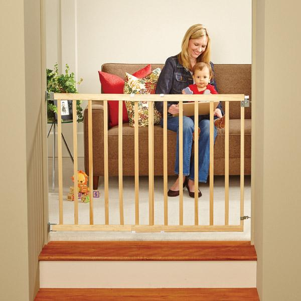 Amazon Com Supergate Stairway Swing Gate Fits Spaces Between 28