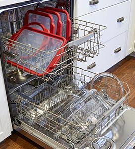 glass; bakeware; TrueFit; dishwasher; clean; top rack; dishwasher safe; lids