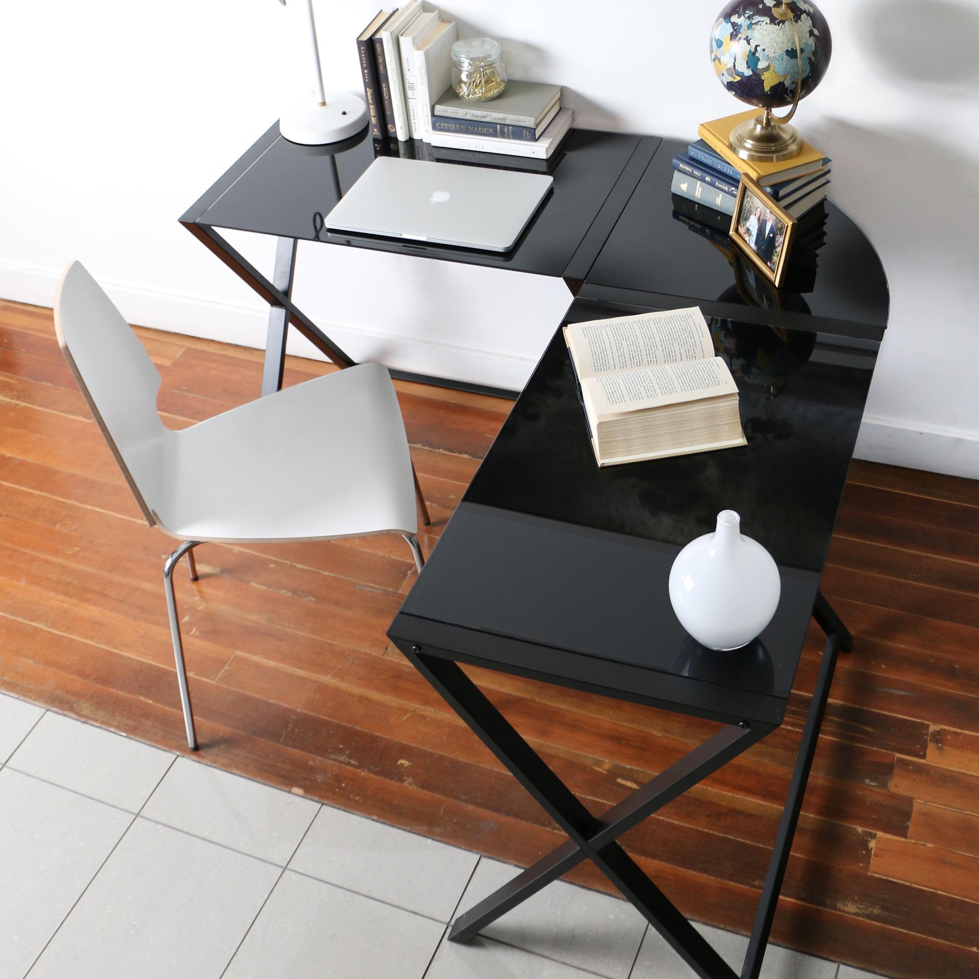 We Furniture Elite Soreno Glass Corner