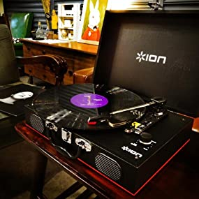 ION Vinyl Transport, portable turntable, suitcase turntable, record player
